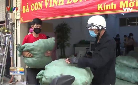 Người Sài Gòn hào sảng giữa khó khăn dịch bệnh