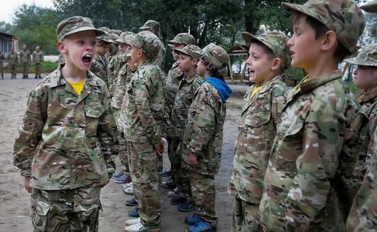 Hơn 8.500 trẻ em bị tuyển dụng làm binh lính trong năm 2020