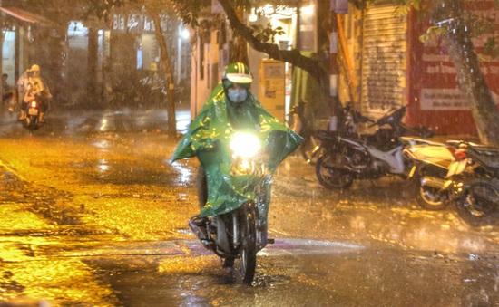 Bắc Bộ mưa dông, đề phòng thời tiết nguy hiểm, Trung Bộ nắng nóng gay gắt kéo dài