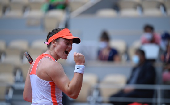 Vượt qua Badosa, Tamara Zidansek trở thành tay vợt nữ Slovenia đầu tiên vào bán kết Pháp mở rộng