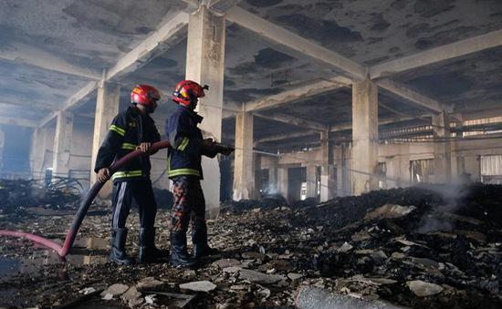 Vụ hỏa hoạn tại Bangladesh: Chủ nhà máy Hashem bị bắt giữ với cáo buộc giết người
