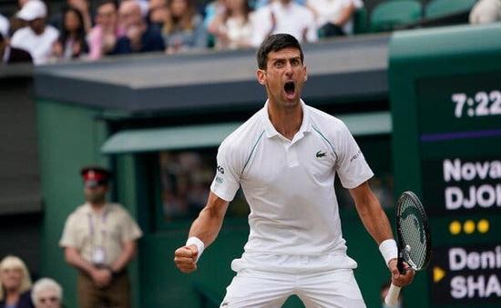 Novak Djokovic lần thứ 3 liên tiếp vào chung kết Wimbledon
