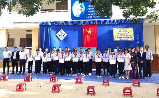 Chắp cánh ước mơ tới trường cho 500 em học sinh huyện Cam Lâm (Khánh Hòa)
