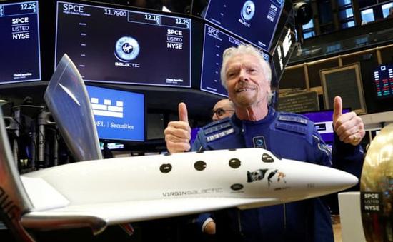Tỷ phú Richard Branson hoàn thành giấc mơ bay vào vũ trụ