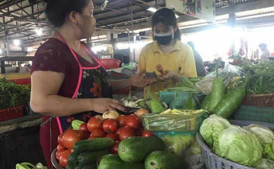 TP Hồ Chí Minh thí điểm cho tiểu thương chợ truyền thống bán rau, củ trở lại