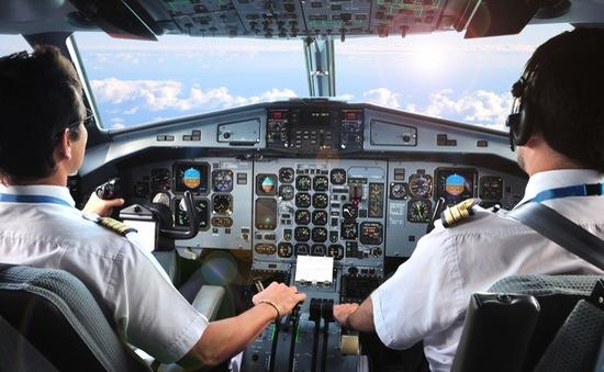 Phi công tiêm phòng đầy đủ 2 mũi vaccine COVID-19 mới được bay