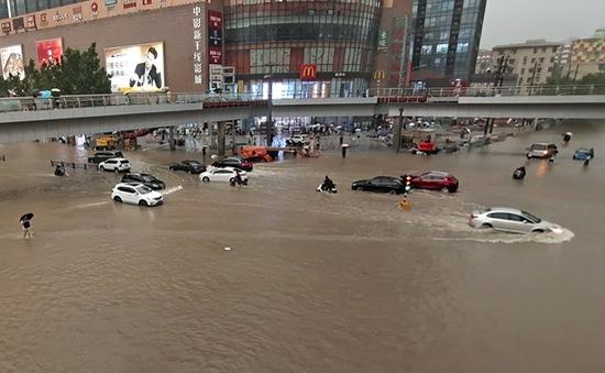 """Trung Quốc: Mưa lũ """"nghìn năm có một"""" gây hậu quả nghiêm trọng bất thường"""