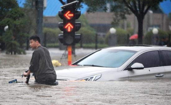 """Chuyện nóng tuần qua: Biến thể Delta """"châm ngòi"""" làn sóng dịch mới, thiên tai càn quét từ châu Á đến châu Âu"""