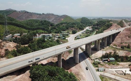 Quảng Ninh duy trì đà tăng trưởng trong trạng thái bình thường mới