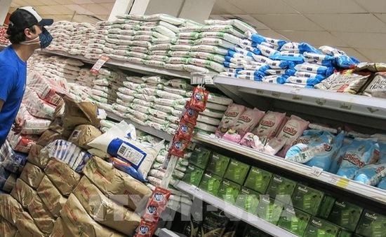 FAO: Giá lương thực thế giới giảm lần đầu tiên trong trong 12 tháng