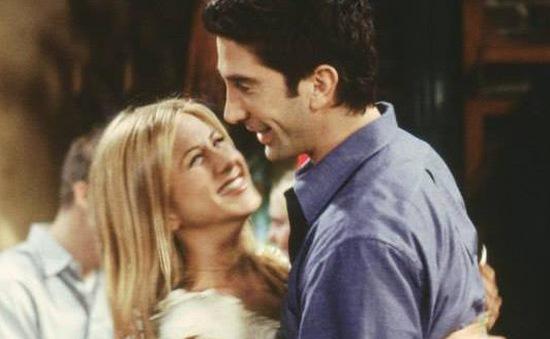 David Schwimmer khẳng định không hẹn hò với Jennifer Aniston