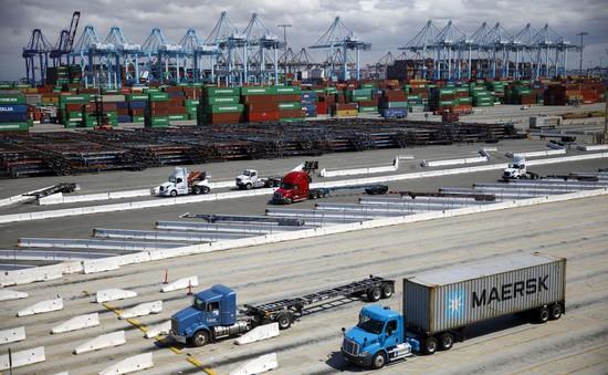 Tắc nghẽn nghiêm trọng tại cảng biển lớn nhất nước Mỹ