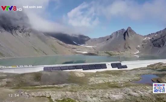 Thụy Sỹ xây dựng nhà máy điện mặt trời trên núi cao