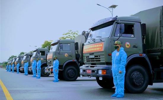 Quân khu 9 chuyển 50 tấn rau, củ thực phẩm tặng nhân dân TP Hồ Chí Minh