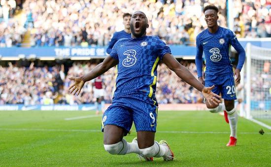 Lukaku tiếp tục toả sáng, Chelsea thắng đậm Aston Villa