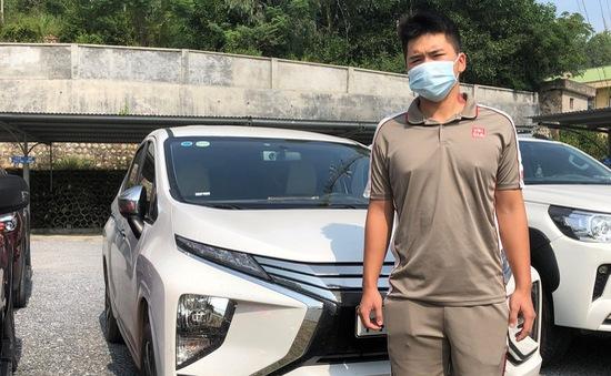 Phát hiện xe ô tô chở 8 người trốn chốt kiểm soát dịch đến TP Hạ Long