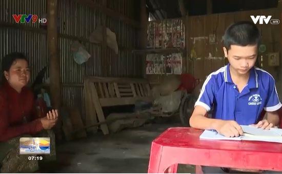 Học sinh vùng đồng bào dân tộc thiểu số Khmer gặp khó khăn khi học trực tuyến