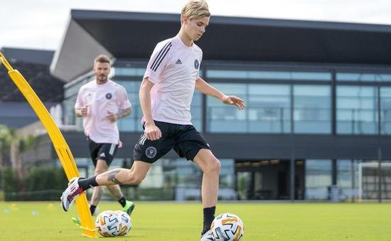 Con trai David Beckham bước vào bóng đá chuyên nghiệp