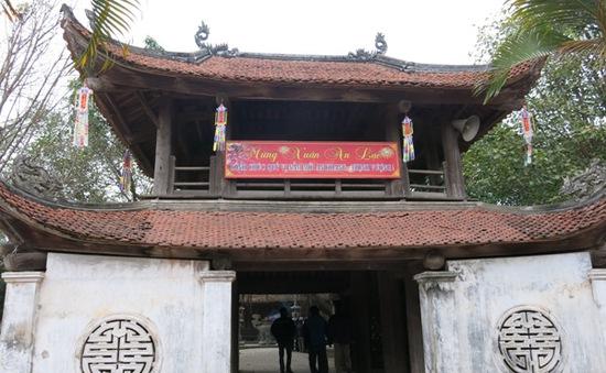 Bình yên chùa cổ Bút Tháp