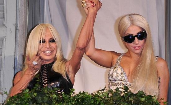 Lady Gaga muốn diện váy cưới của Versace