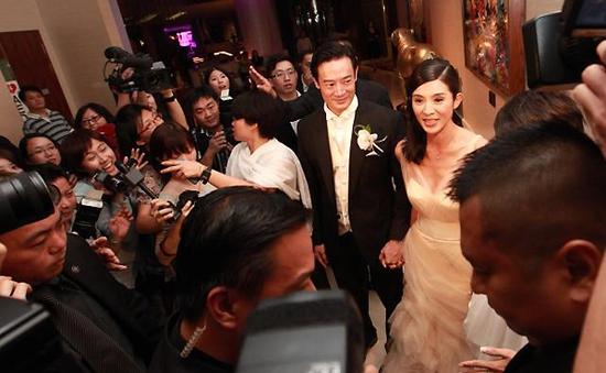 Dương Thái Ni lên xe hoa ở tuổi 39