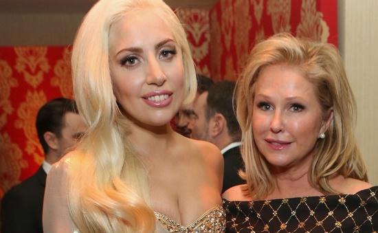 Lady Gaga lo lắng vì phát tướng