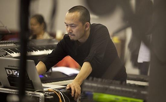 """NS Quốc Trung: """"Toàn bộ show biểu diễn của những ngôi sao HQ tại VN đều lip-sync"""""""