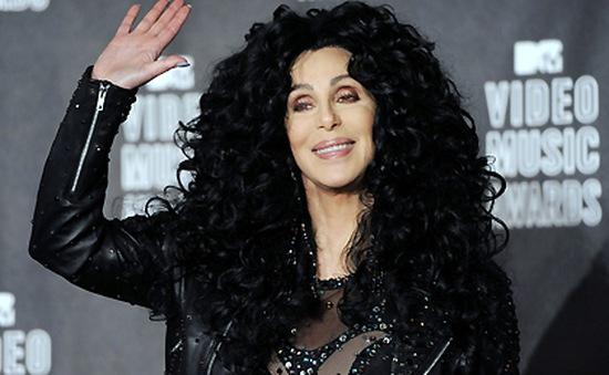 Sợ già, Cher không dám soi gương
