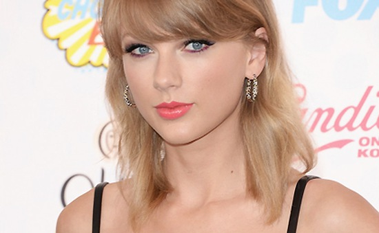 Taylor Swift chiến thắng giải Teen Choice Awards 2014