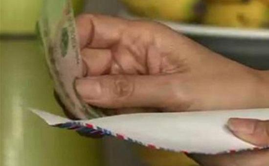 Nhân viên y tế nhận phong bì bị phạt đến 30 triệu đồng