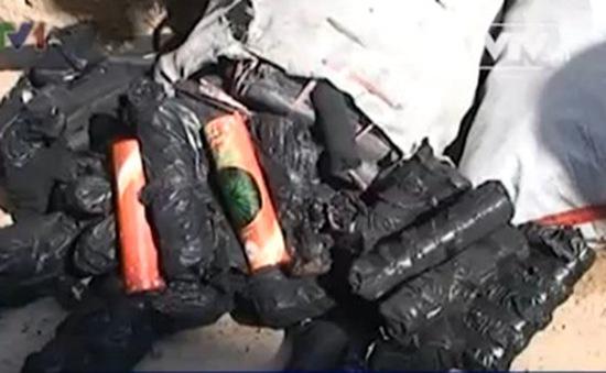 Quảng Bình: Tiếp tục bắt vụ vận chuyển pháo lậu