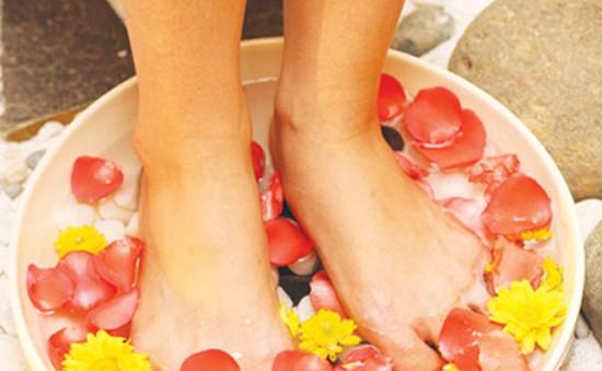 Ngừa khô chân ở thai phụ
