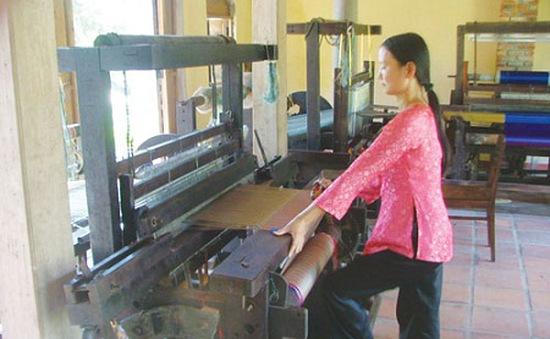 Khôi phục làng nghề dệt lụa Mã Châu