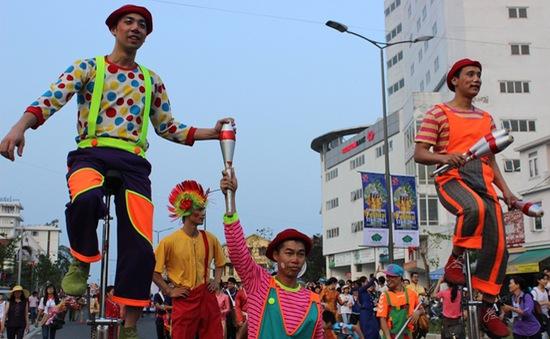 Đa sắc màu lễ hội đường phố tại Festival Huế