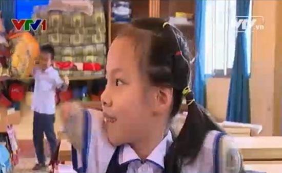 """Niềm vui được đến trường của cô bé """"Nick Vujicic Việt Nam"""""""