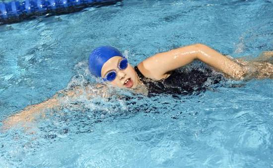 Bơi lội và nguy cơ mắc bệnh viêm tai giữa