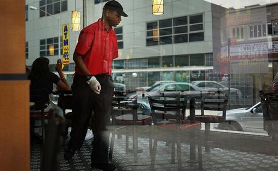 IMF đề nghị Mỹ tăng mức lương tối thiểu