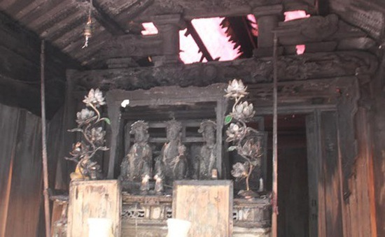 Cháy đền Nhạn Tháp, nhiều hiện vật bị thiêu rụi