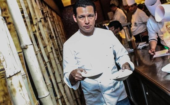 Đầu bếp Bobby Chinn làm Đại sứ Du lịch Việt Nam tại châu Âu