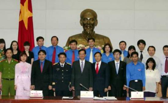Thủ tướng gặp 10 gương mặt trẻ tiêu biểu