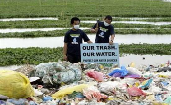 Philippines thu dọn rác hưởng ứng Ngày Trái Đất