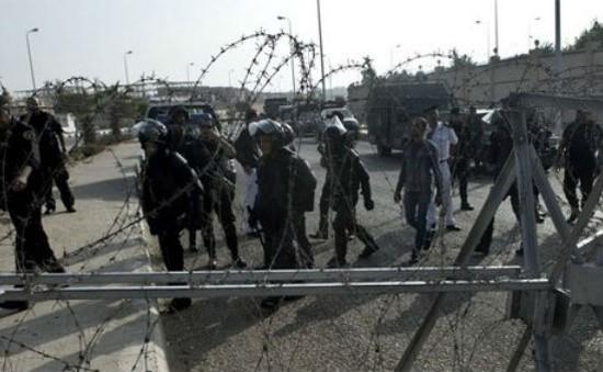 Ai Cập: Phiên xét xử cựu Tổng thống Morsi hoãn đến 2014