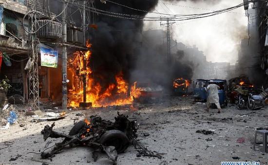 Bom phát nổ tại trung tâm giảng đạo ở Peshawar, Pakistan