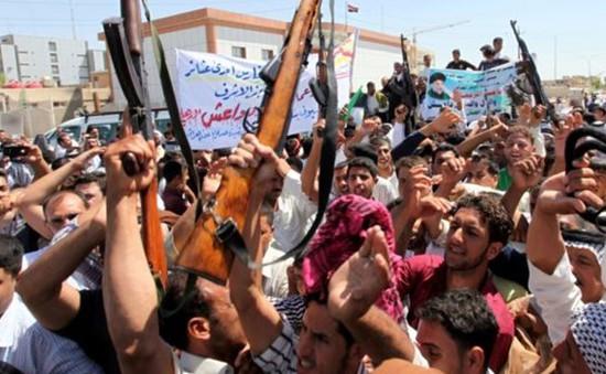 Thanh niên Iraq nhập ngũ chống quân nổi dậy
