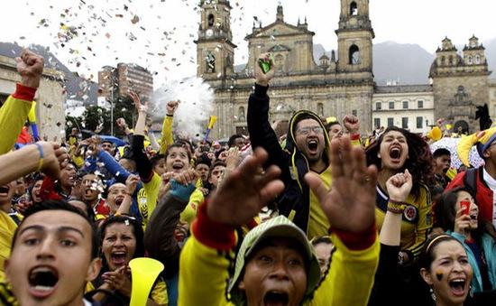 Sau trận Uruguay 0-2 Colombia: CĐV cãi nhau vì Suarez