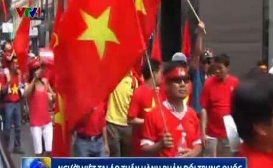 Người Việt tại Áo tuần hành phản đối Trung Quốc
