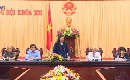 Phó Chủ tịch Quốc hội Tòng Thị Phóng tiếp Hội tù yêu nước Quảng Ngãi