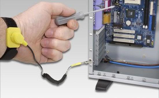 Cách thay RAM máy tính an toàn và đơn giản