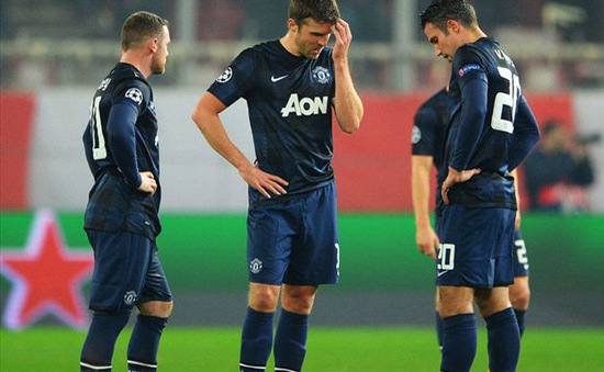 Man Utd thua thảm, Van Persie trách cứ đồng đội