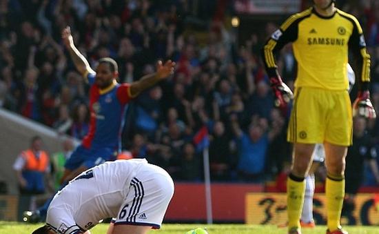 Crystal Palace 1-0 Chelsea: Tạm biệt ngôi đầu bảng? (VIDEO)